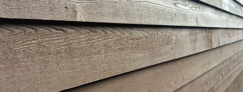 houtcoating op tuinwand