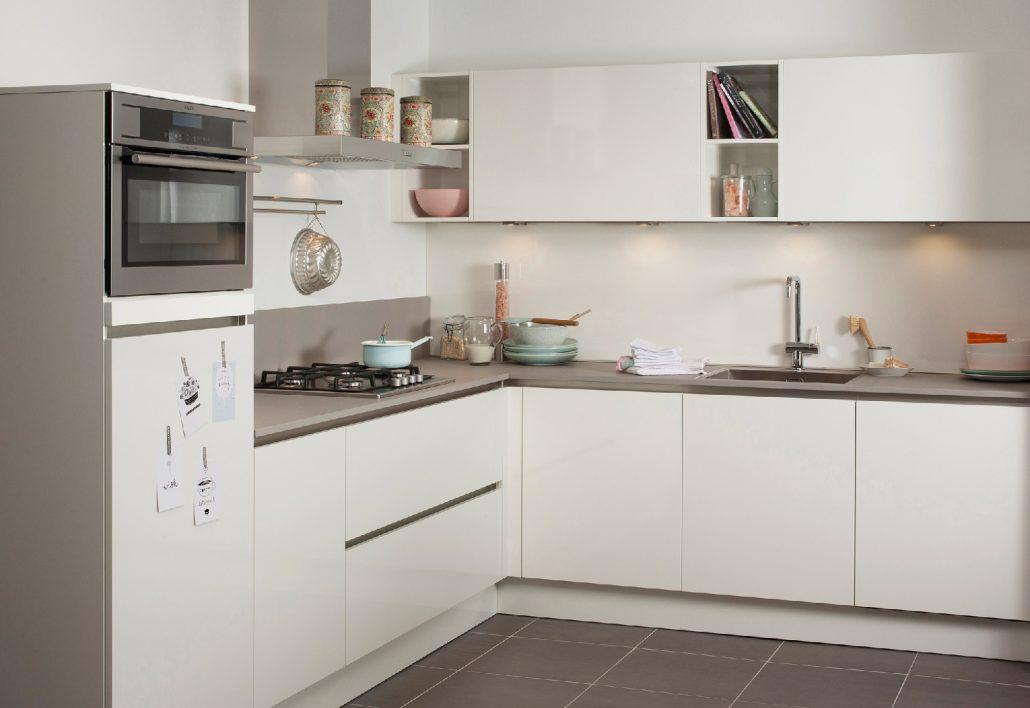 Gladde Wanden Badkamer : Waterafstotende verf badkamer keuken of buitenmuur coating.nl
