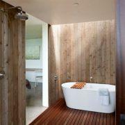 Badkamer met houtverf