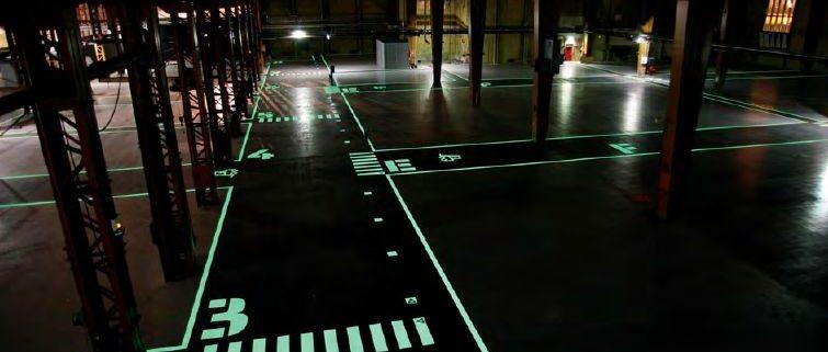 lichtgevende coating in magazijn