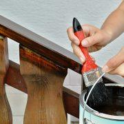 Trap schilderen met houtverf