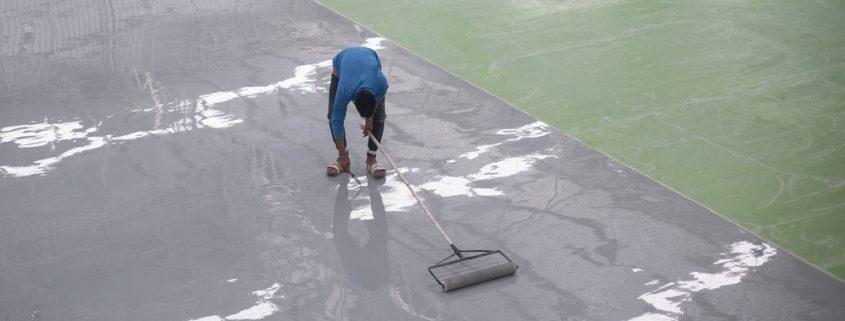 Epoxy coating beton aanbrengen op vloer
