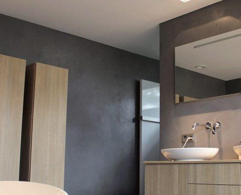 betonlook coating wand grijs voorbeeld