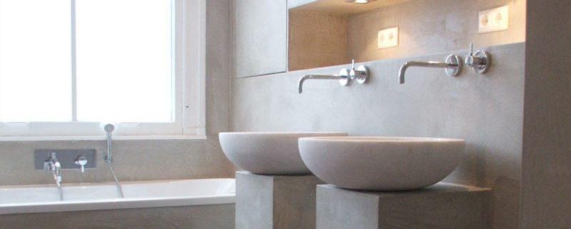 betonlook in de badkamer | kosten specialist & zelf doen - coating.nl