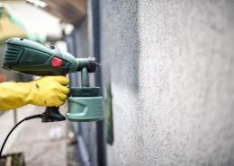 Muurcoating op betonnen muur